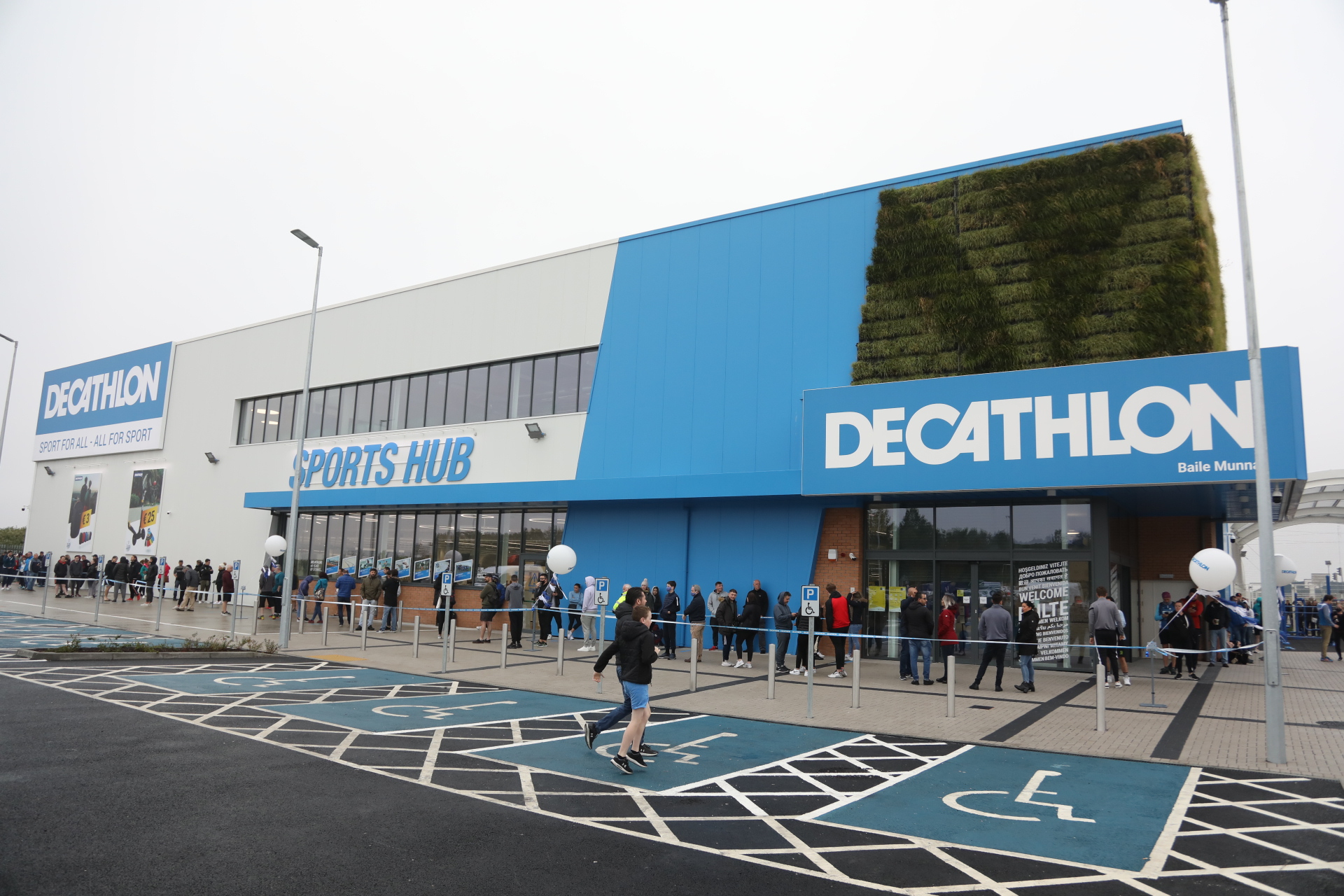 French Retail Giant Decathlon Moves to Brossard
