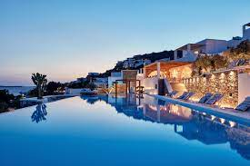 11 Most Luxurious Swimming Pools to Make Your Stay More Enjoyable