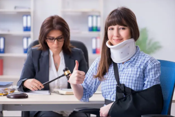 How can you choose the right lawyer to represent you in a personal injury law suit?